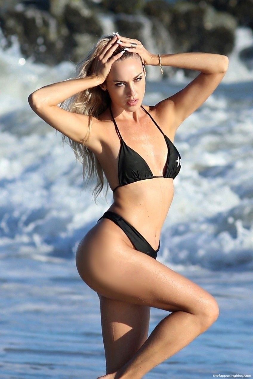 Elena Jole Shows Off Her Stunning Bikini Body (51 Photos)