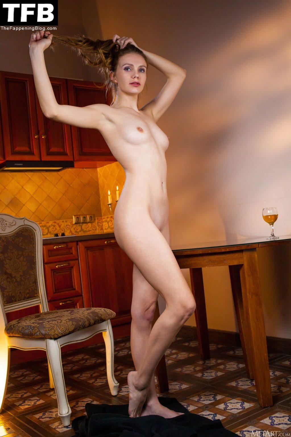 Elina De Leon Nude & Sexy – Golden Pony (129 Photos)