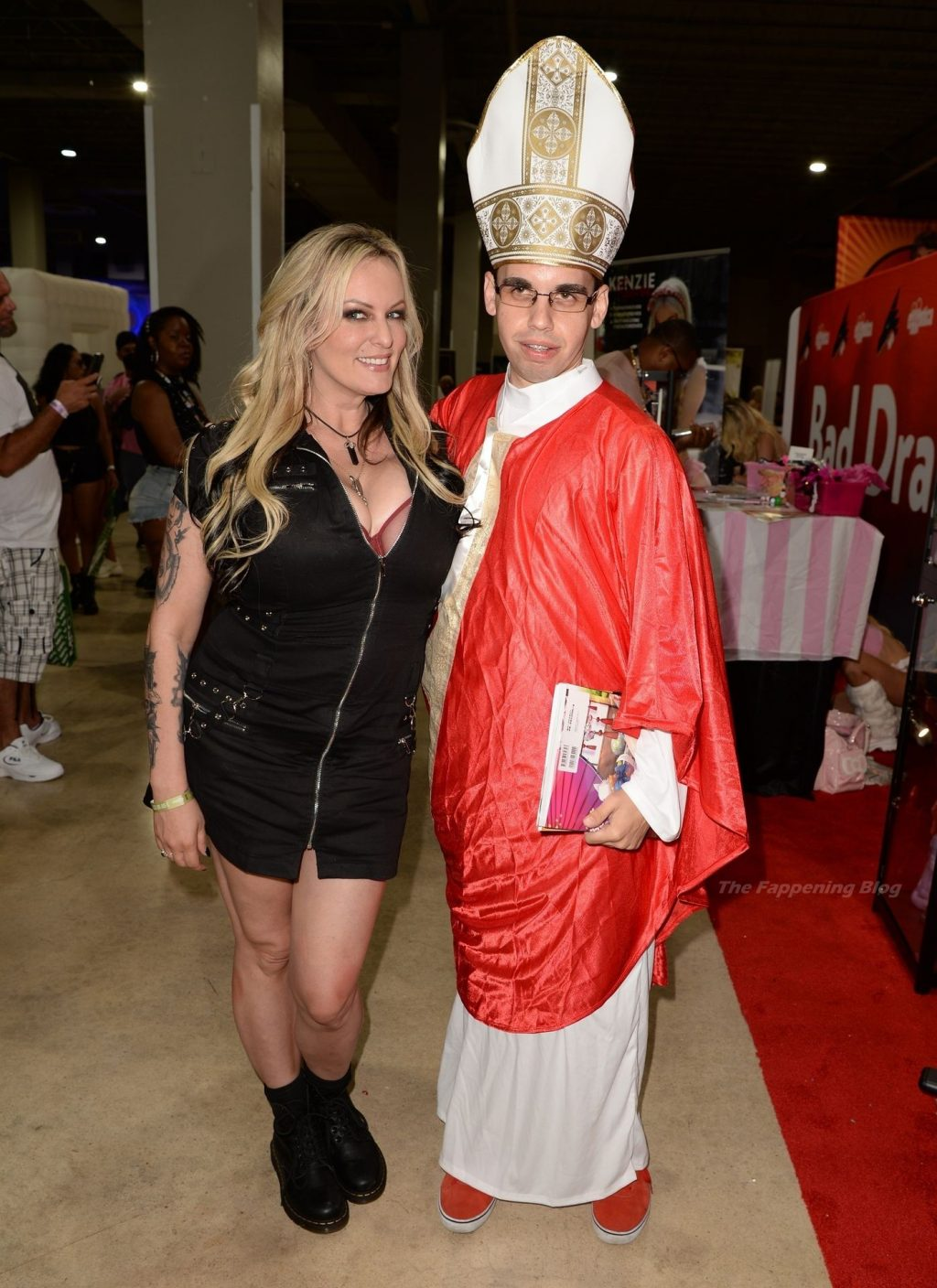 Adult Film Stars Attend the Exxxotica Expo in Miami (55 Photos)