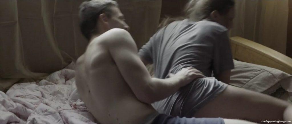 Hannah Gross Nude & Sexy Collection (15 Photos + Video)