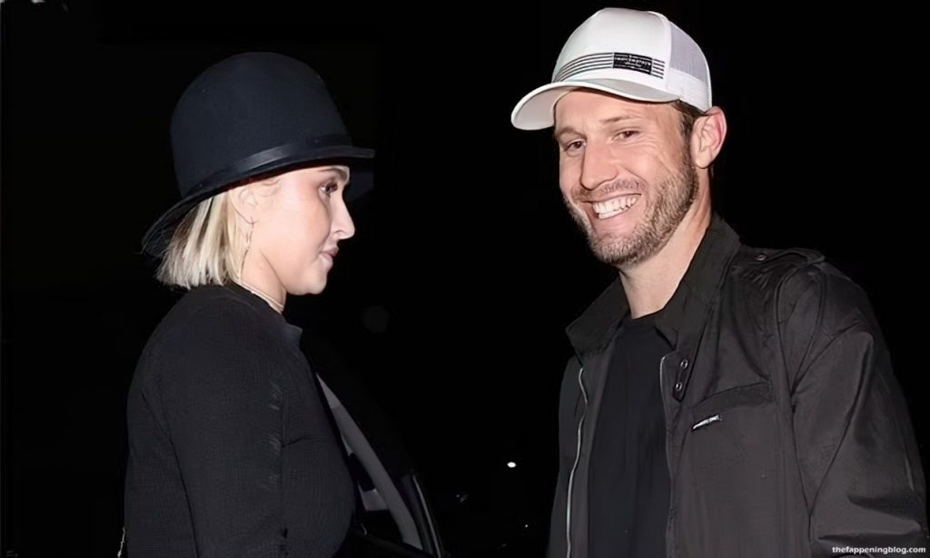 Hayden Panettiere Parties the Night Away With Abusive Ex Brian Hickerson (15 Photos)