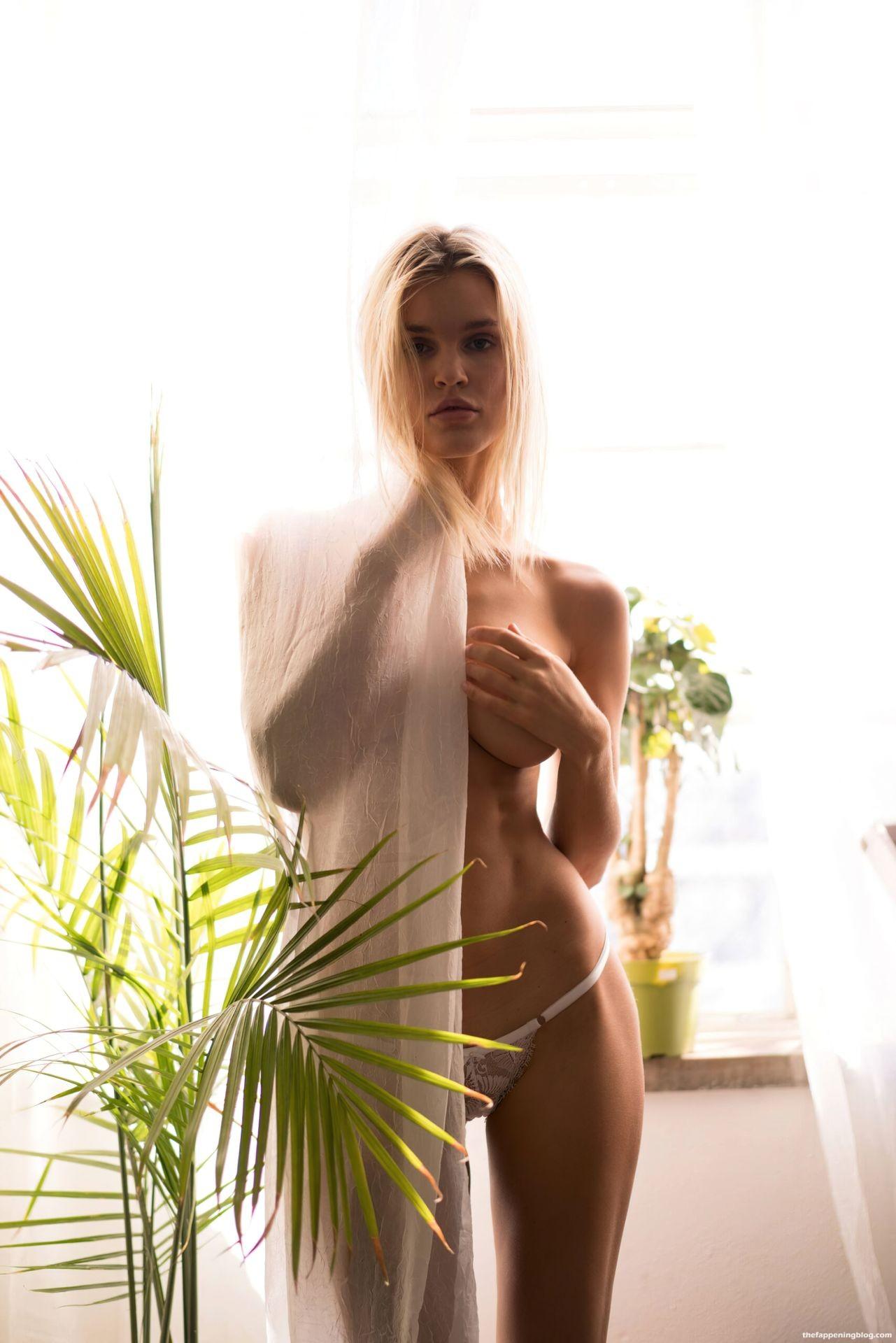 Joy-Corrigan-Naked-Tits-and-Ass-10-scaled1-thefappeningblog.com_.jpg