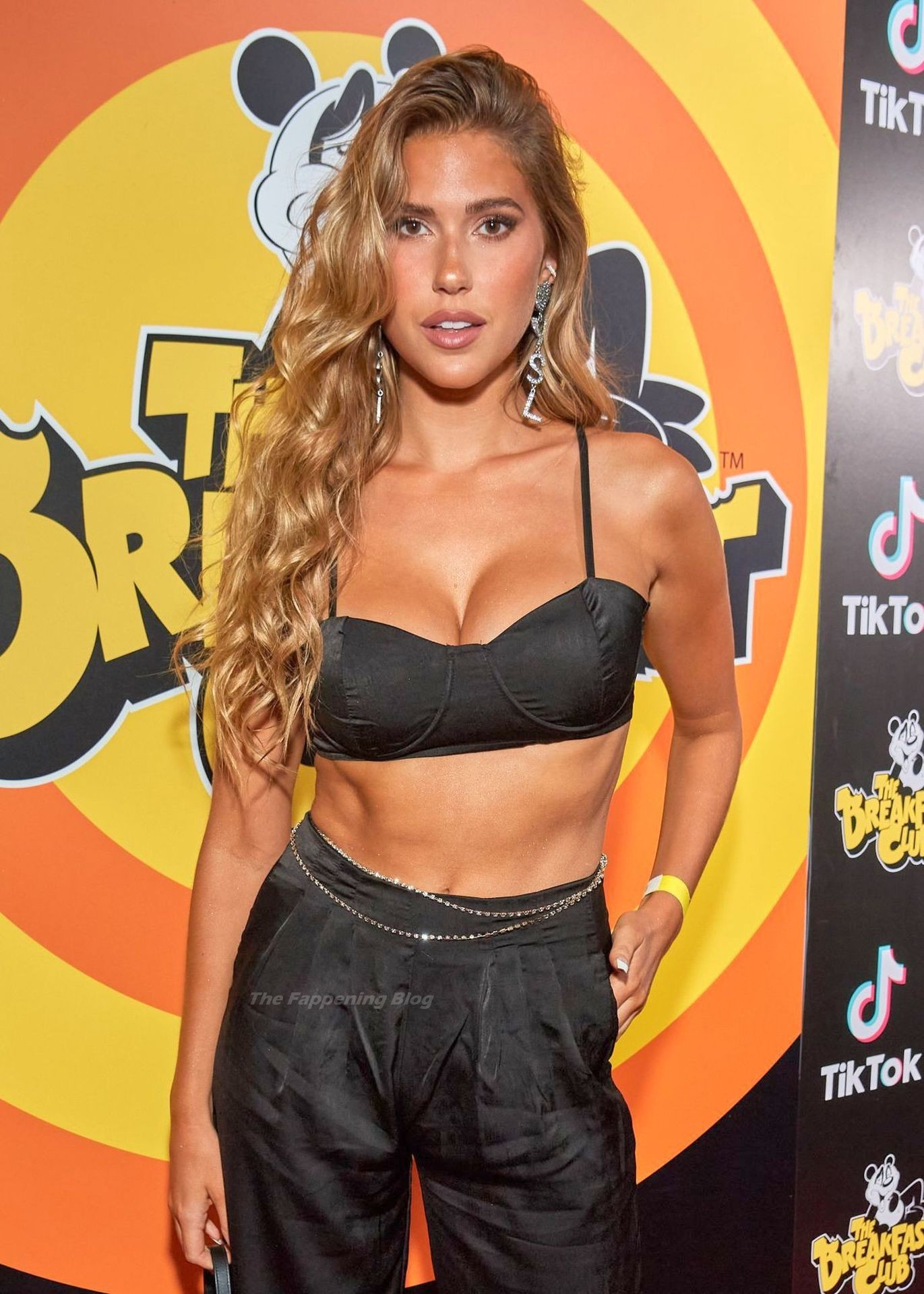 Kara-Del-Toro-Stunning-Big-Boobs-81-thefappeningblog.com_.jpg