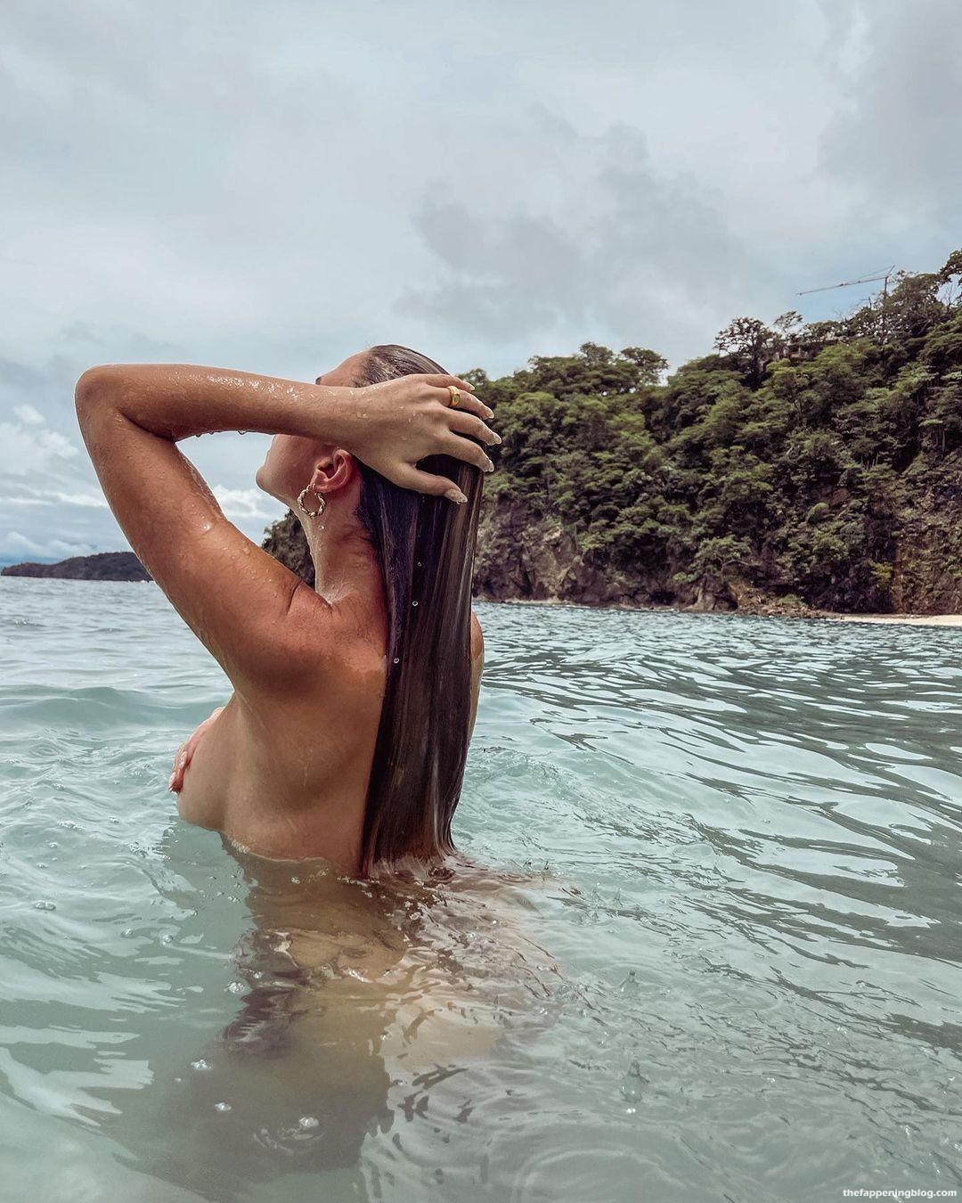 Kara-Del-Toro-Topless-2-thefappeningblog.com_.jpg