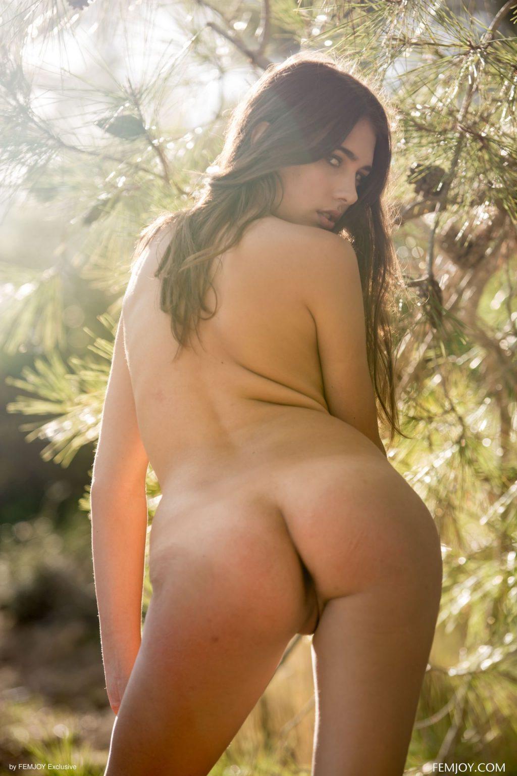 Katrine Pirs Nude & Sexy – Fay (91 Photos)