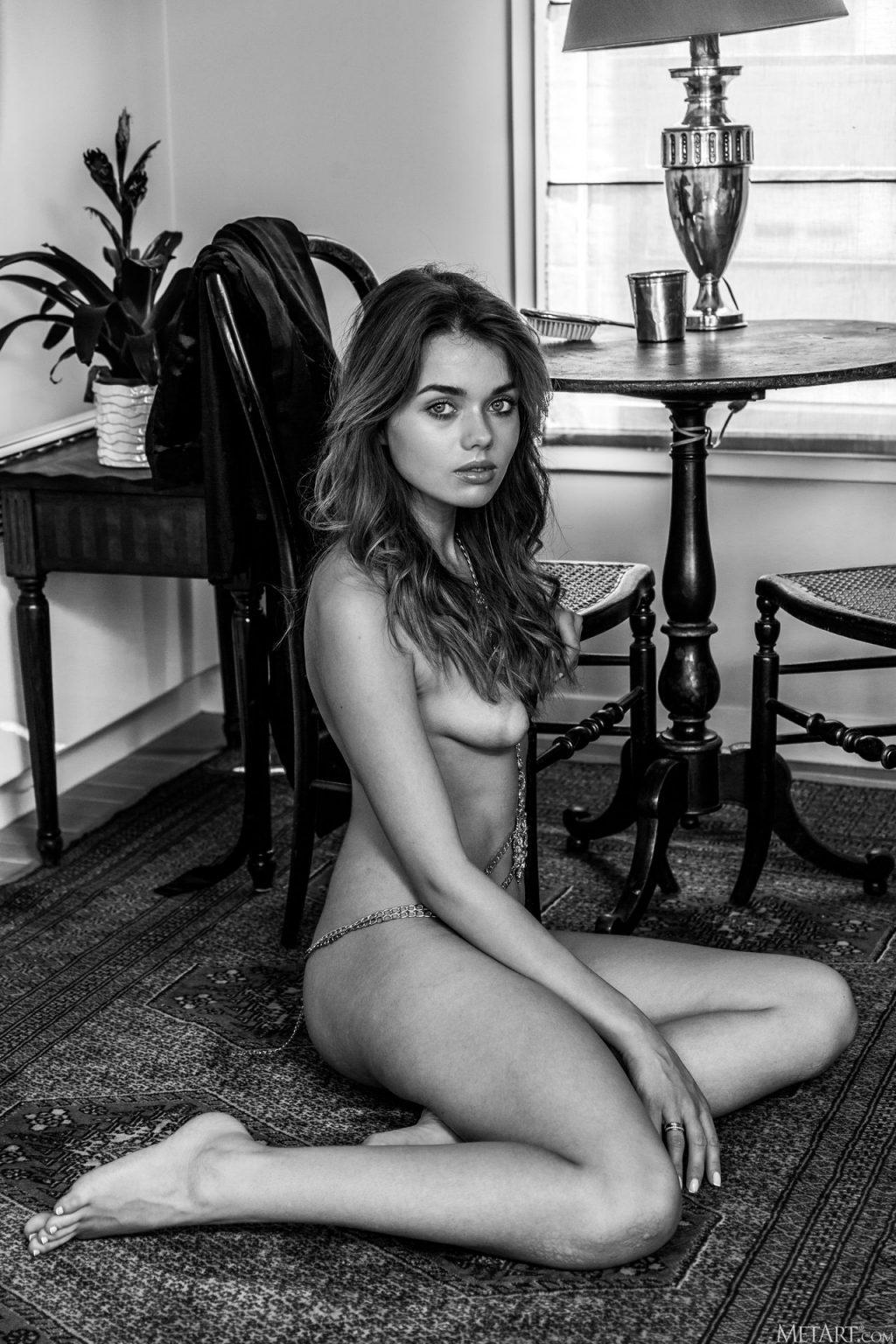 Keira Blue Nude – Adorn (159 Photos)