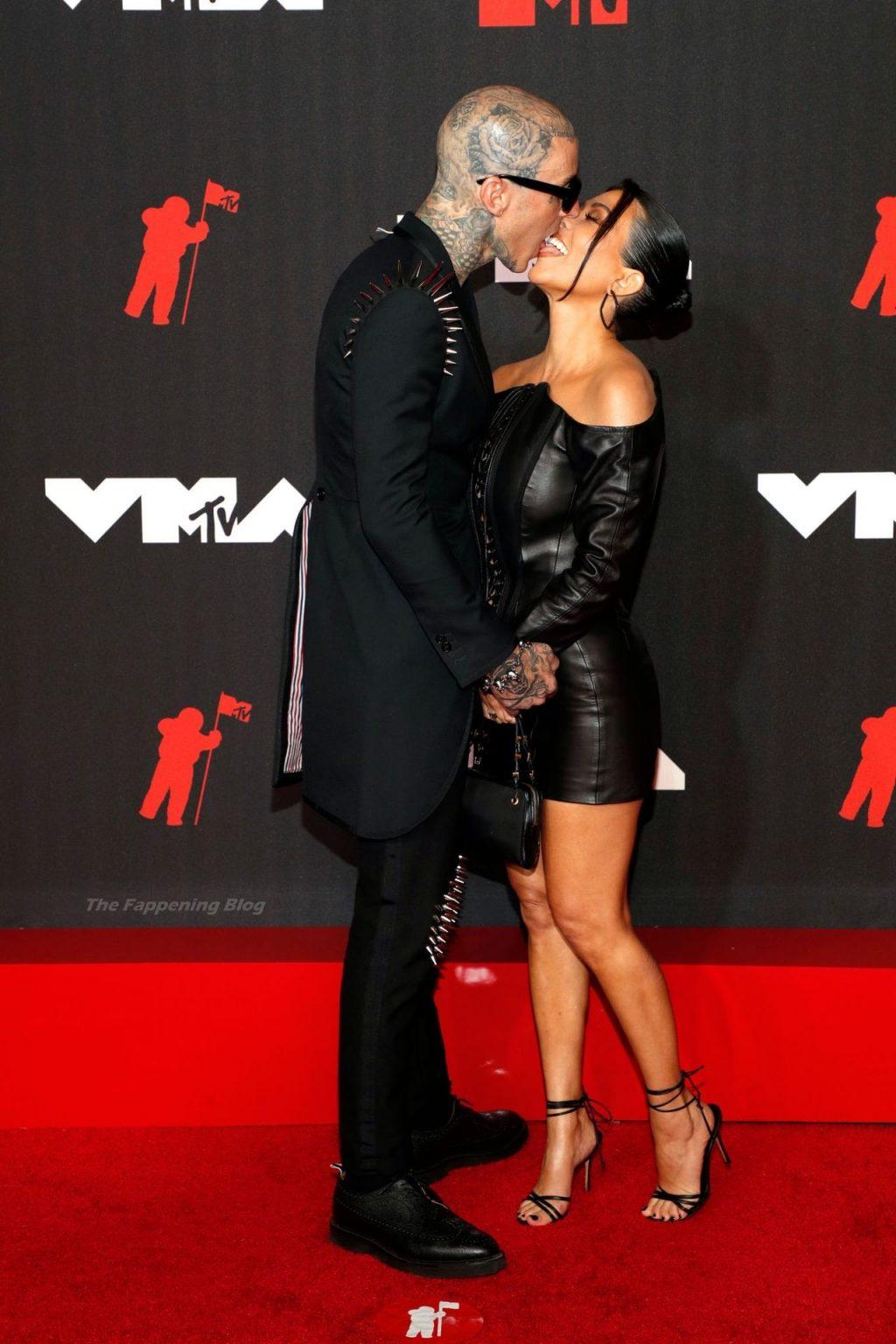 Kourtney Kardashian Stuns at the 2021 MTV Video Music Awards (96 Photos)