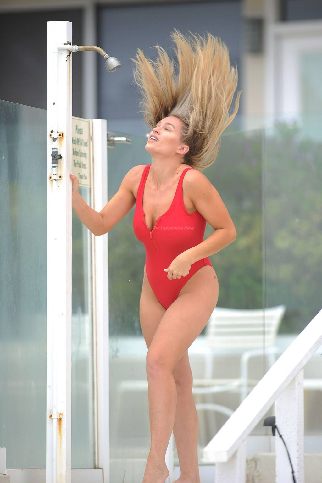 Kristen Louelle Gaffney Poses at The Beach in Malibu (38 Photos)