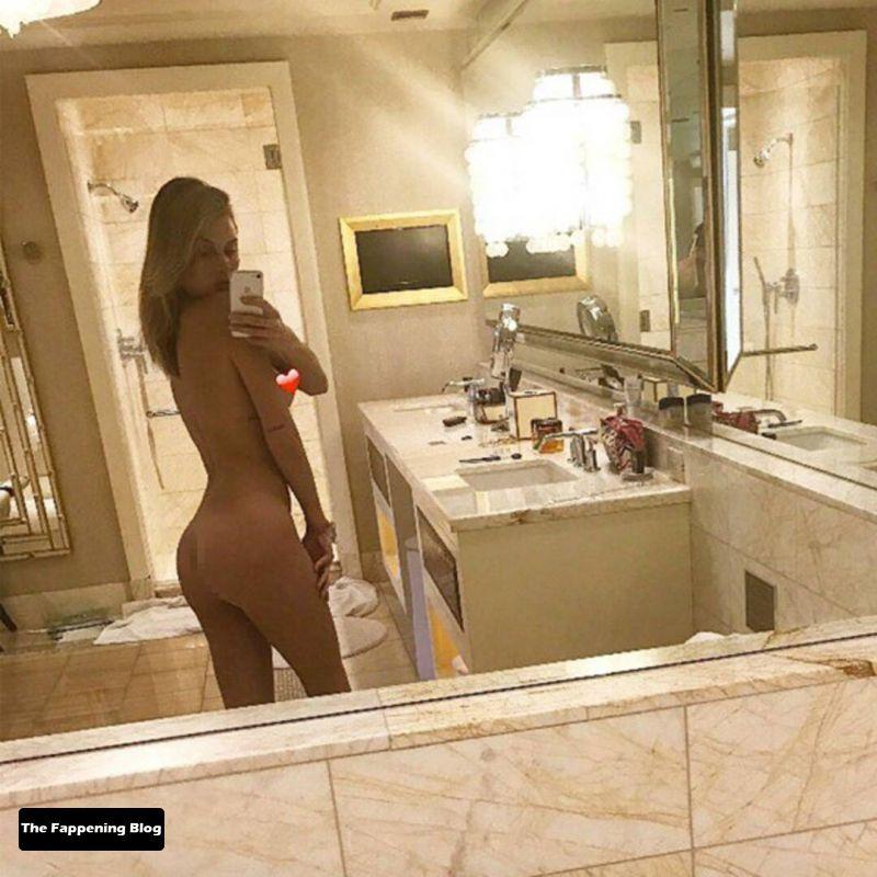 Lala Kent Nude & Sexy Collection (28 Photos)