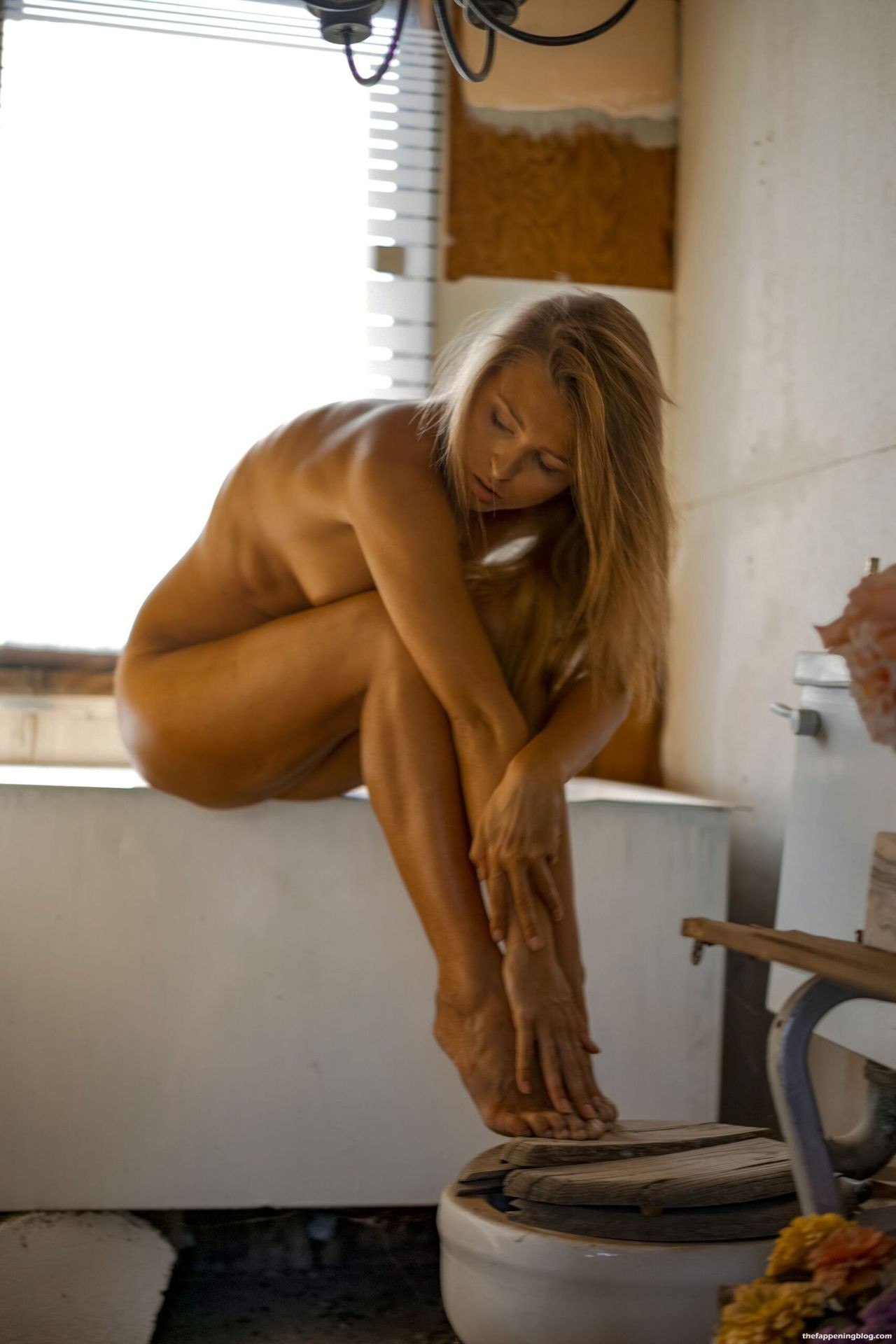 Marisa-Papen-Stunning-Naked-Body-7-scaled1-thefappeningblog.com_.jpg