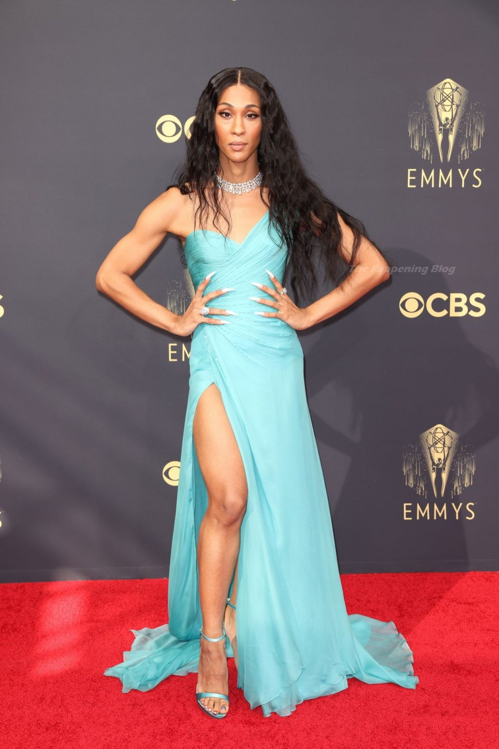 Michaela Jae Rodriguez Flaunts Her Sexy Legs at the 73rd Primetime Emmy Awards in Los Angeles (26 Photos)