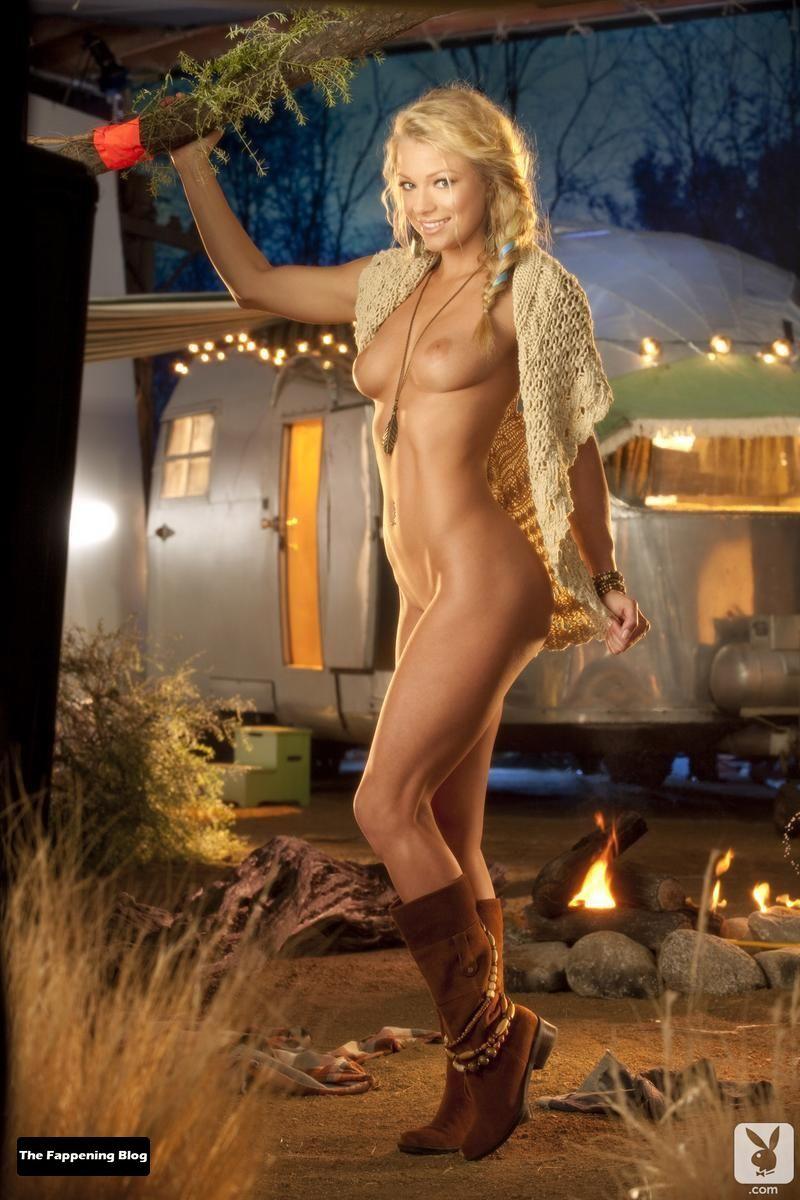 Nikki Leigh Nude & Sexy Collection (63 Photos) [Updated]