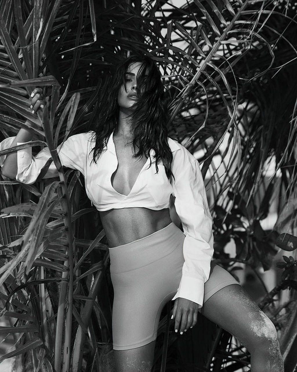 Olivia Culpo Flaunts Her Sexy Body in Bikinis (11 Photos)
