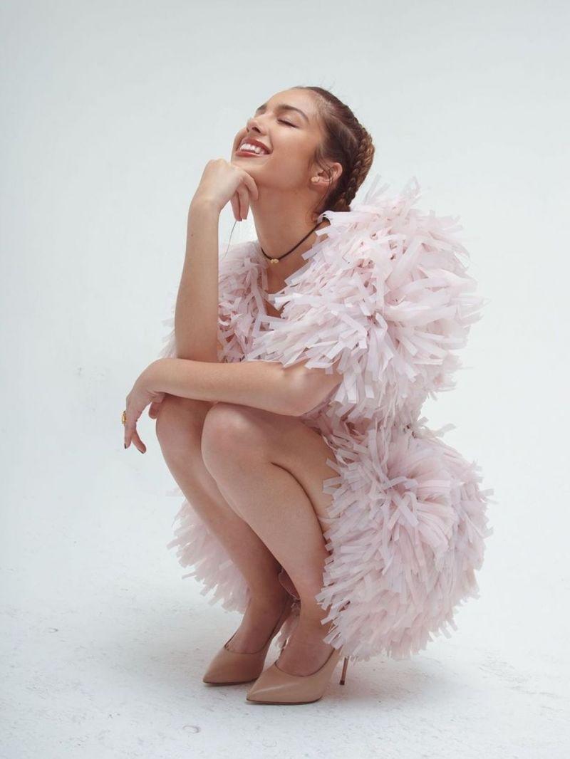 Olivia Rodrigo Sexy Collection (32 Photos + Videos)