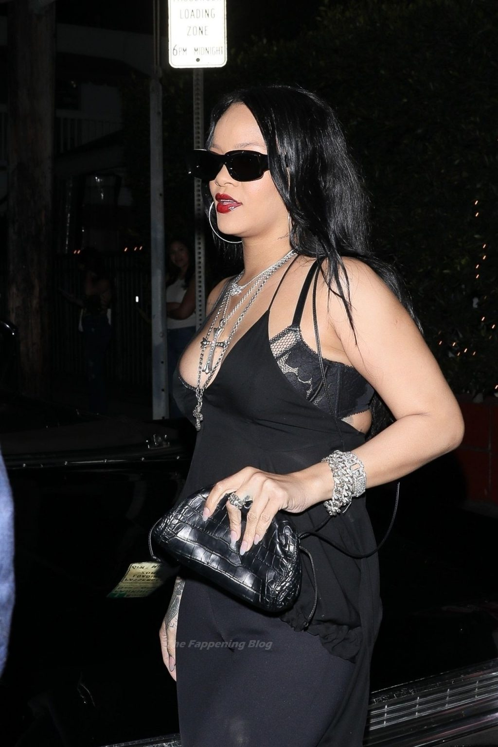 Rihanna Stuns in All Black While Out for Dinner at Giorgio Baldi (62 Photos)