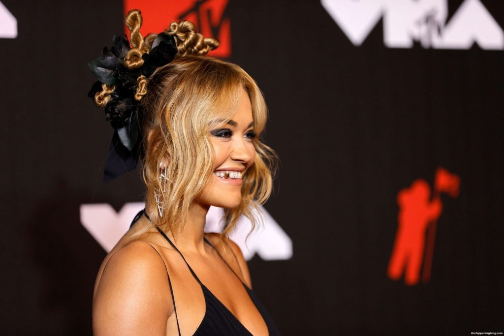 Rita Ora Poses on the Red Carpet at the 2021 MTV Video Music Awards (46 Photos)