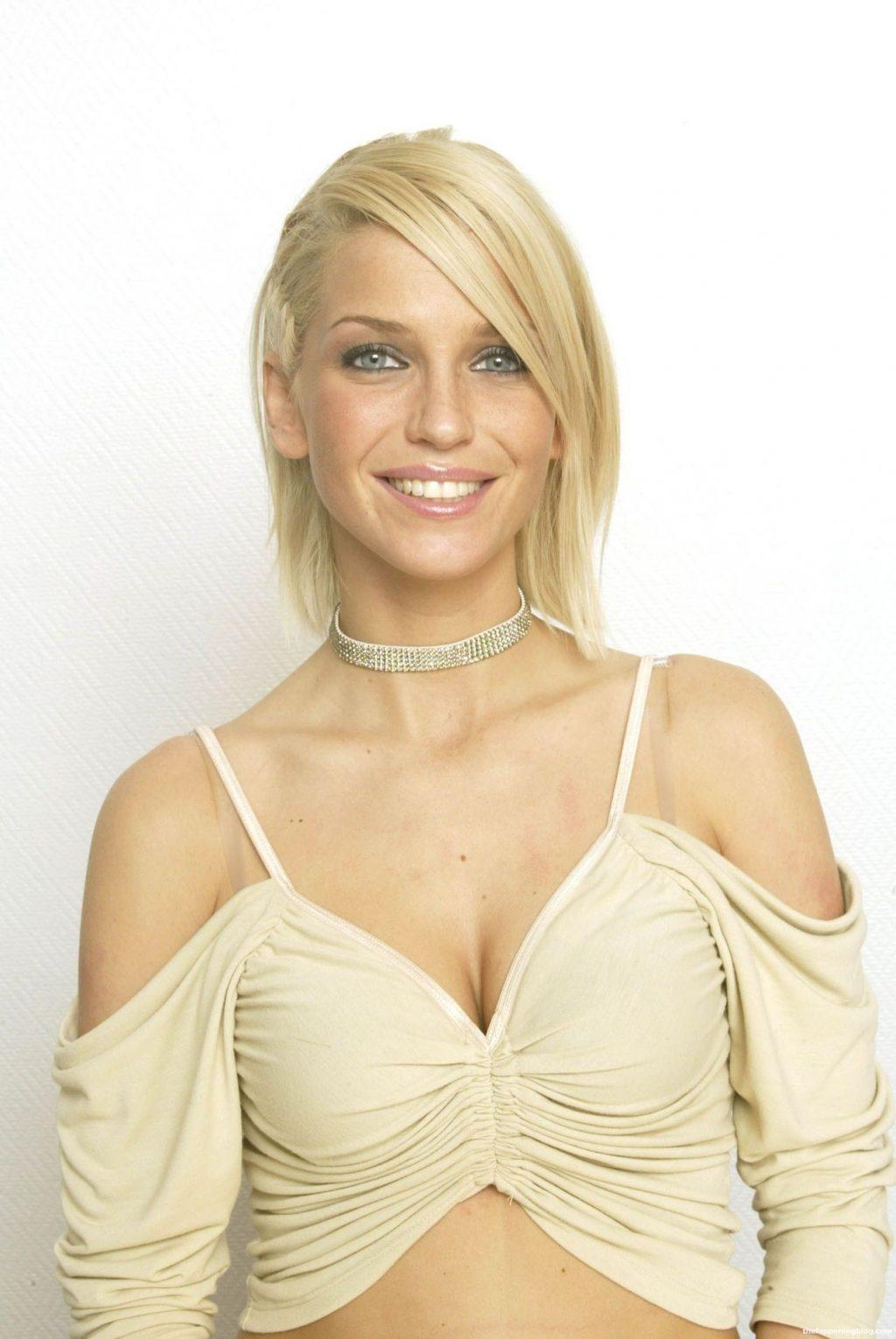 Sarah Harding Sexy Collection (33 Photos)