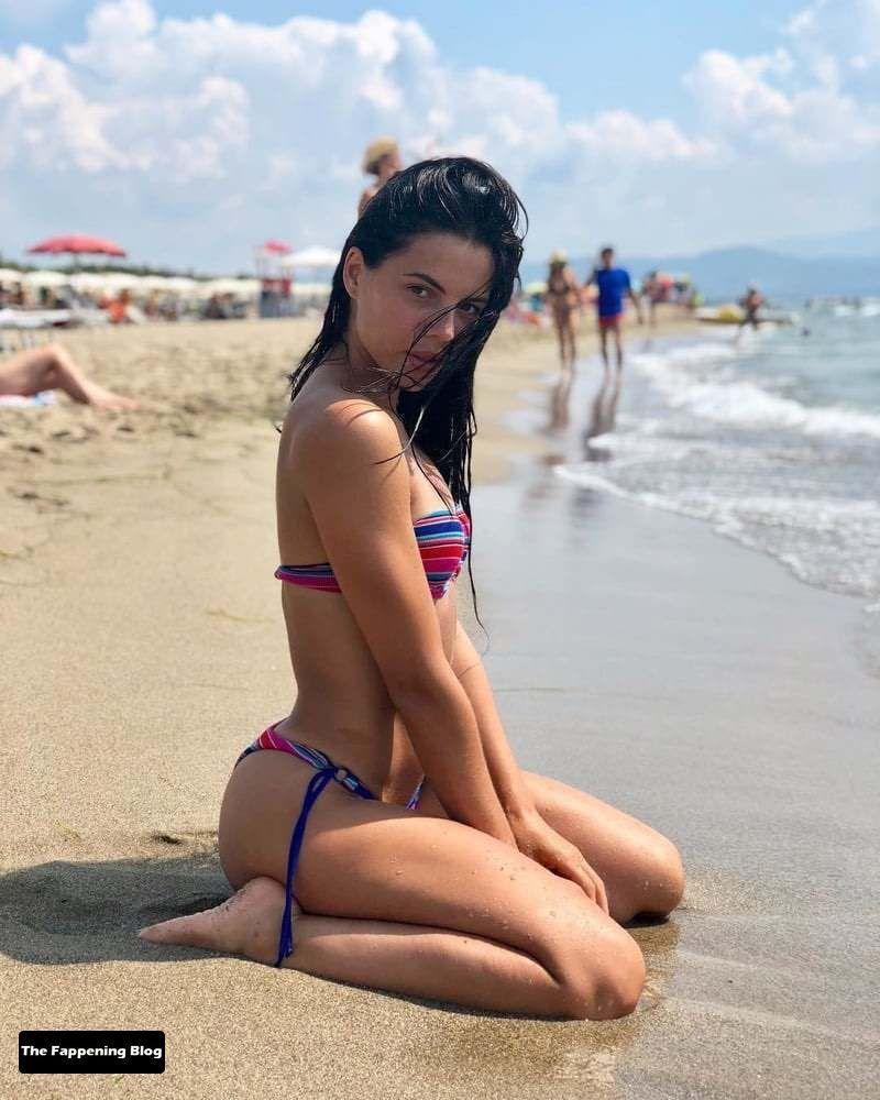 Shaila Gatta Sexy Collection (44 Photos)