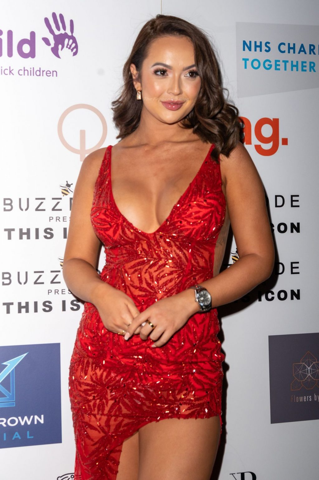 Sharon Gaffka Displays Her Cleavage in a Red Dress at the Party (20 Photos)