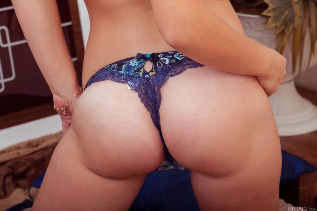 Sonnett Nude & Sexy – Platinum (107 Photos)