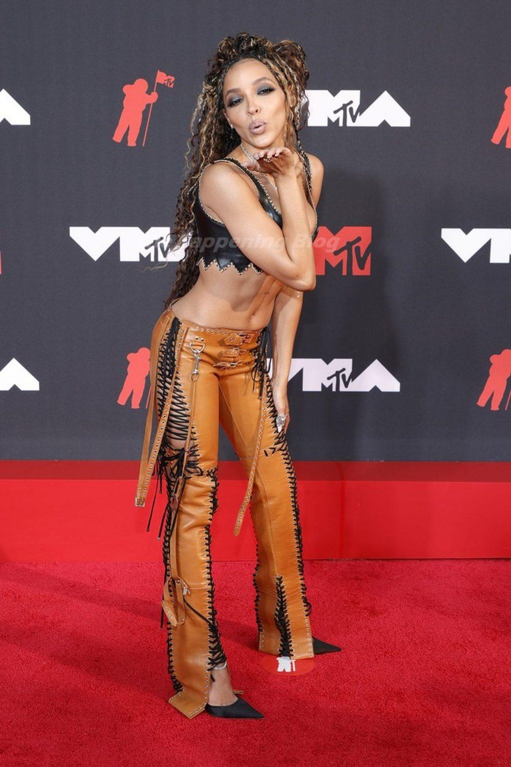Tinashe Looks Crazy at the 2021 MTV Video Music Awards (24 Photos)