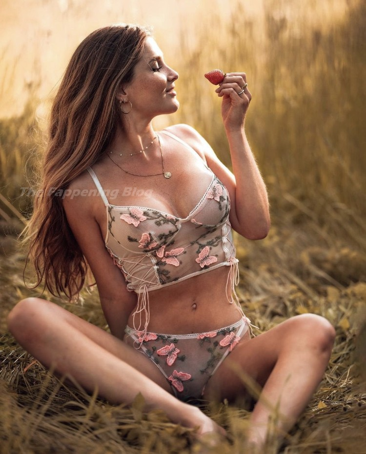Vanessa Teske Nude & Sexy – Playboy Germany (8 Photos)