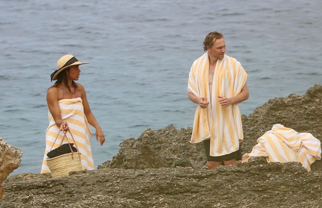 Tom Hiddleston & Zawe Ashton Strip Down and Pack on the PDA in the Waters of Ibiza (19 Photos)