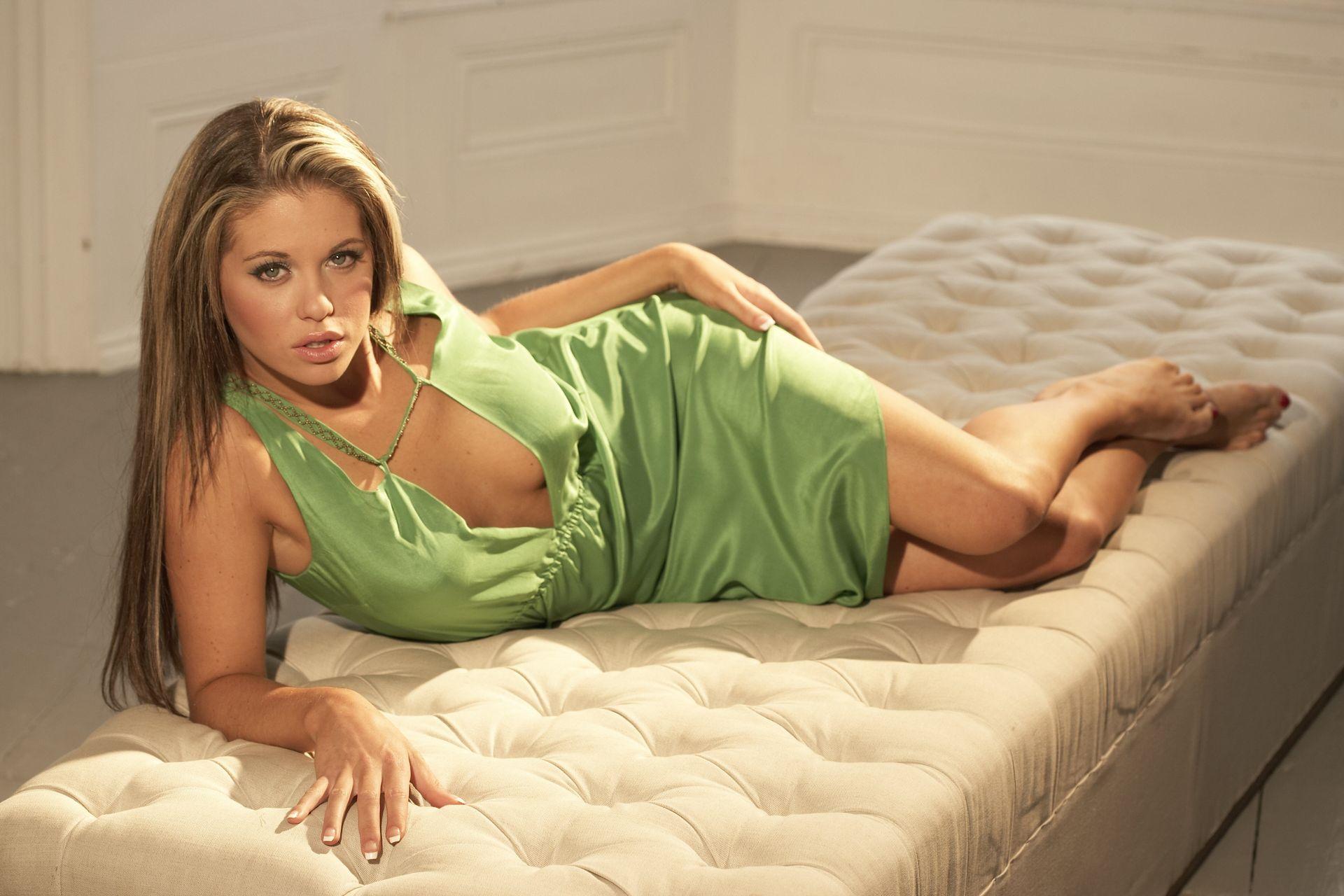 bianca-gascoigne-nude-sexy-15-thefappeningblog.com_.jpg