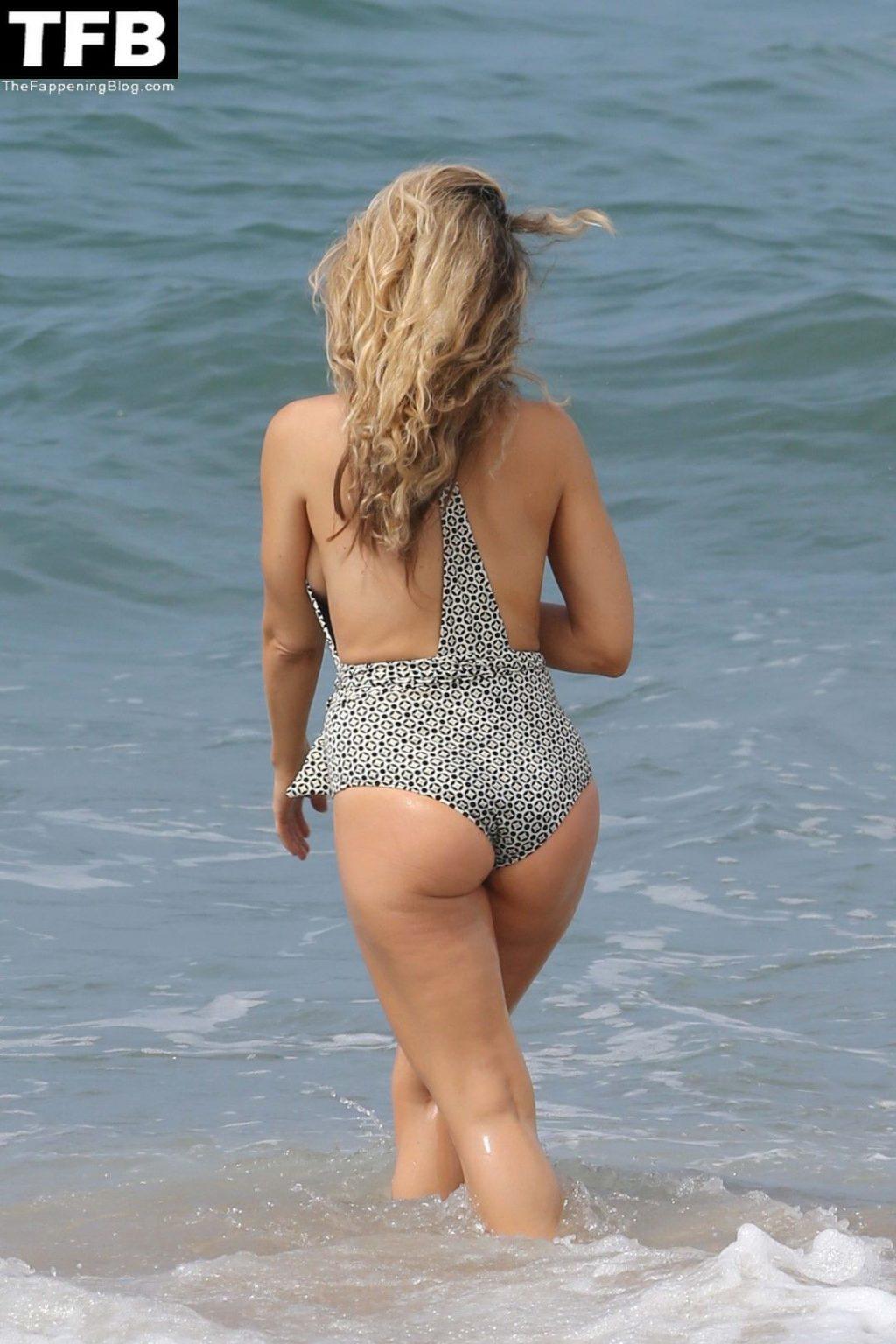 Brooke Mueller Nude & Sexy Collection (11 Photos)