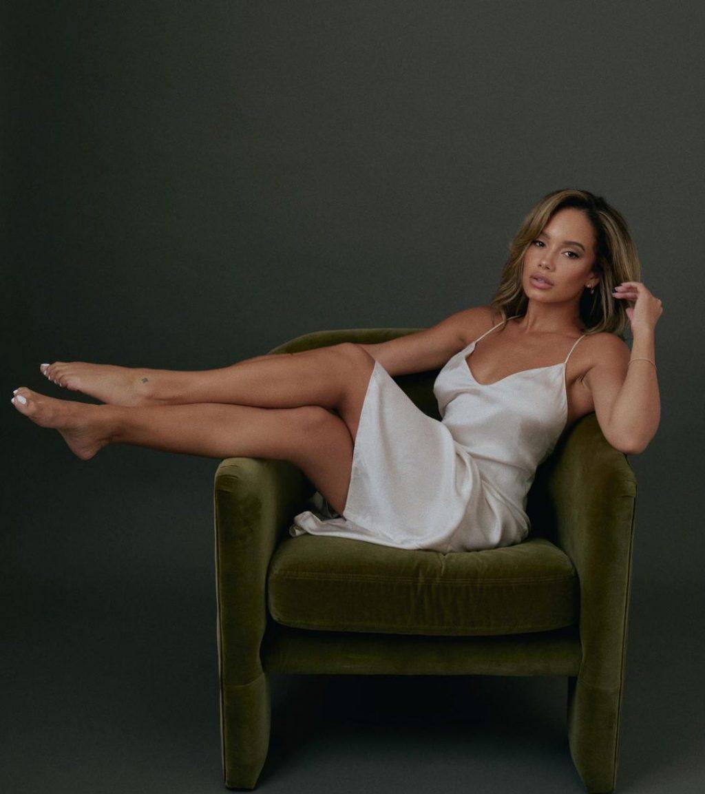 Jordan Ozuna Sexy & Topless Collection (18 Photos)