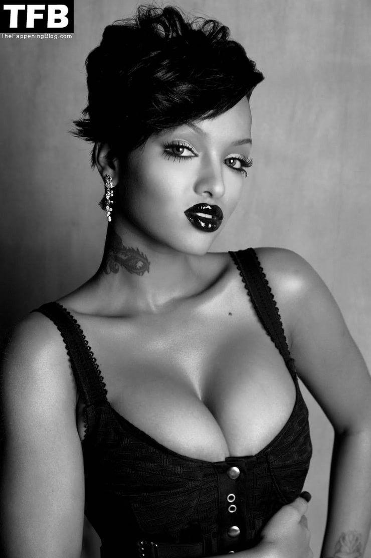 LoLa Monroe Sexy & Topless Collection (17 Photos + Video)
