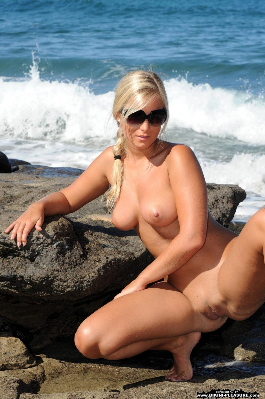 Marry Queen Nude Porn Collection (44 Photos + Videos)