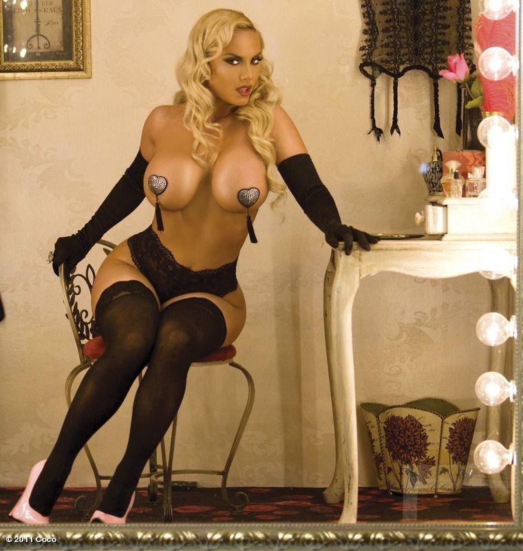 "Nicole ""Coco"" Austin Nude & Sexy Collection – Part 1 (150 Photos)"