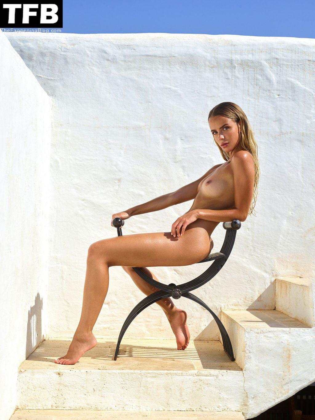 Taylor Brumann Nude (12 Photos)