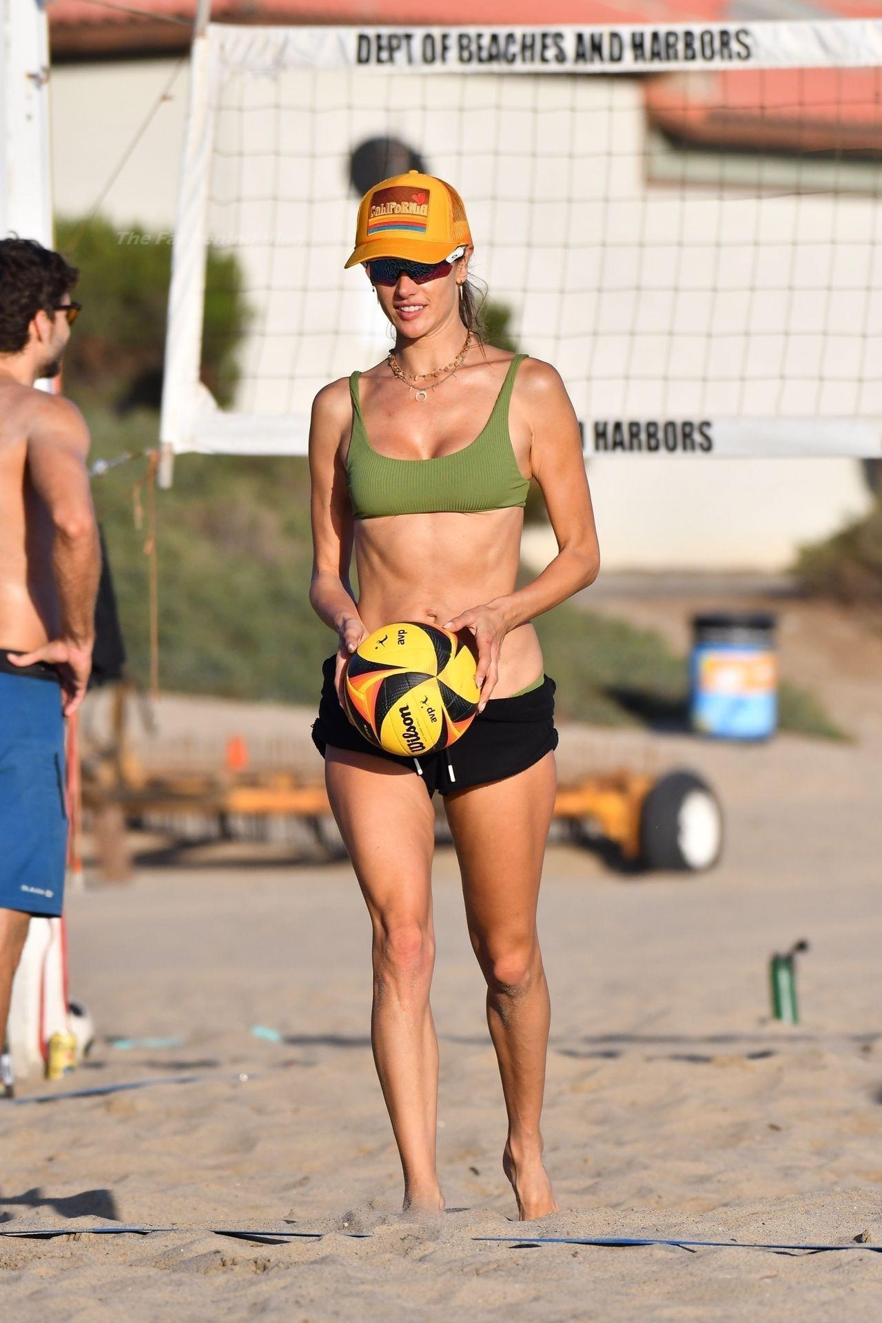 Alessandra Ambrosio Sexy on Beach 18