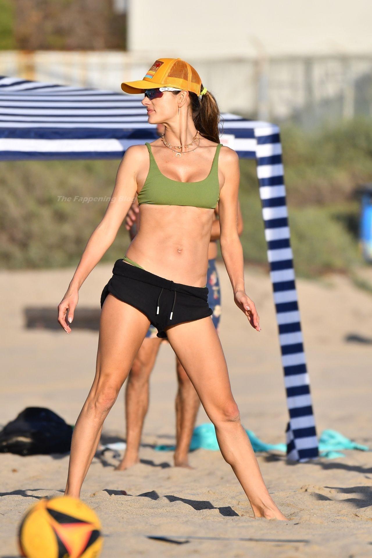 Alessandra Ambrosio Sexy on Beach 20