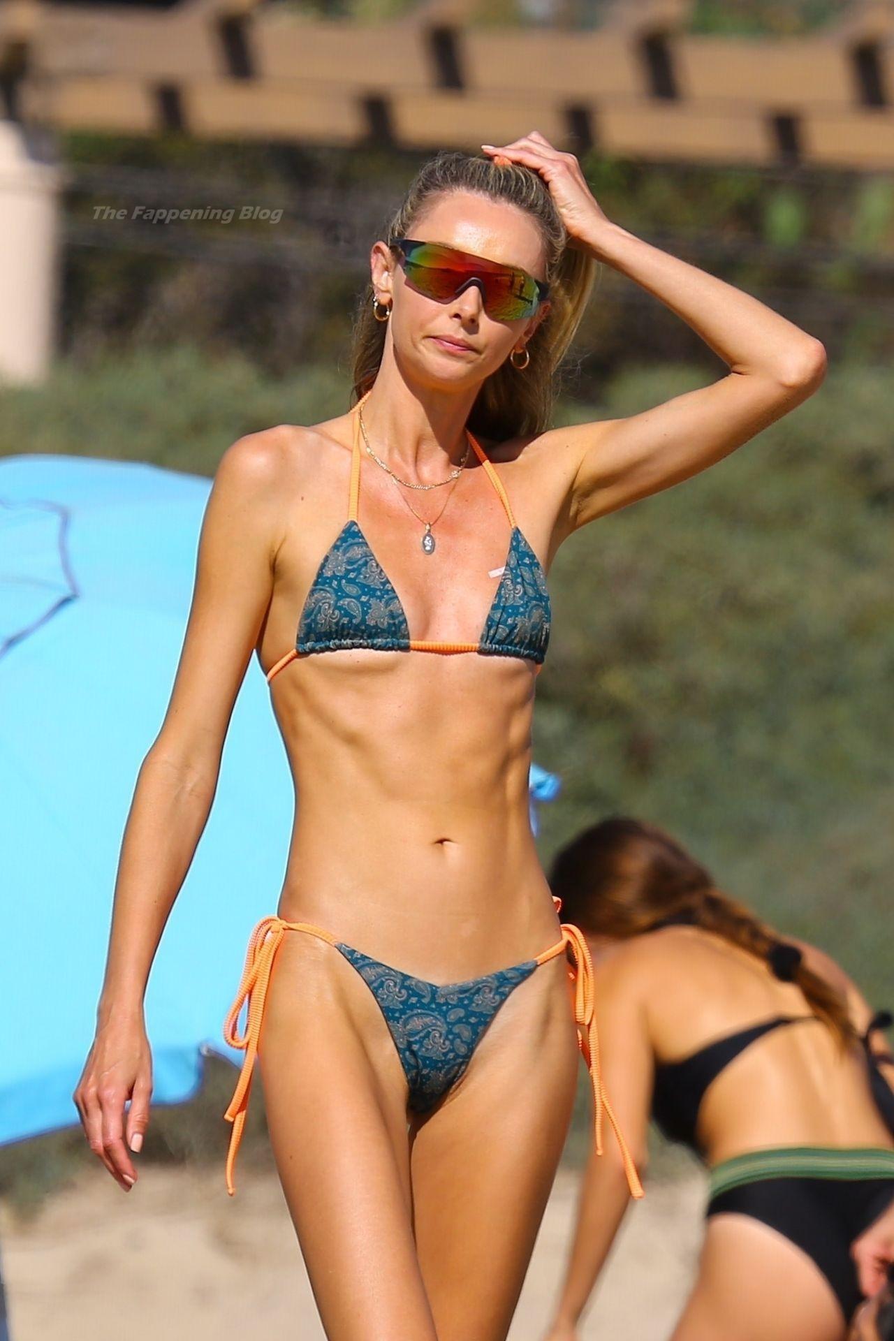 Alessandra Ambrosio Sexy on Beach 32