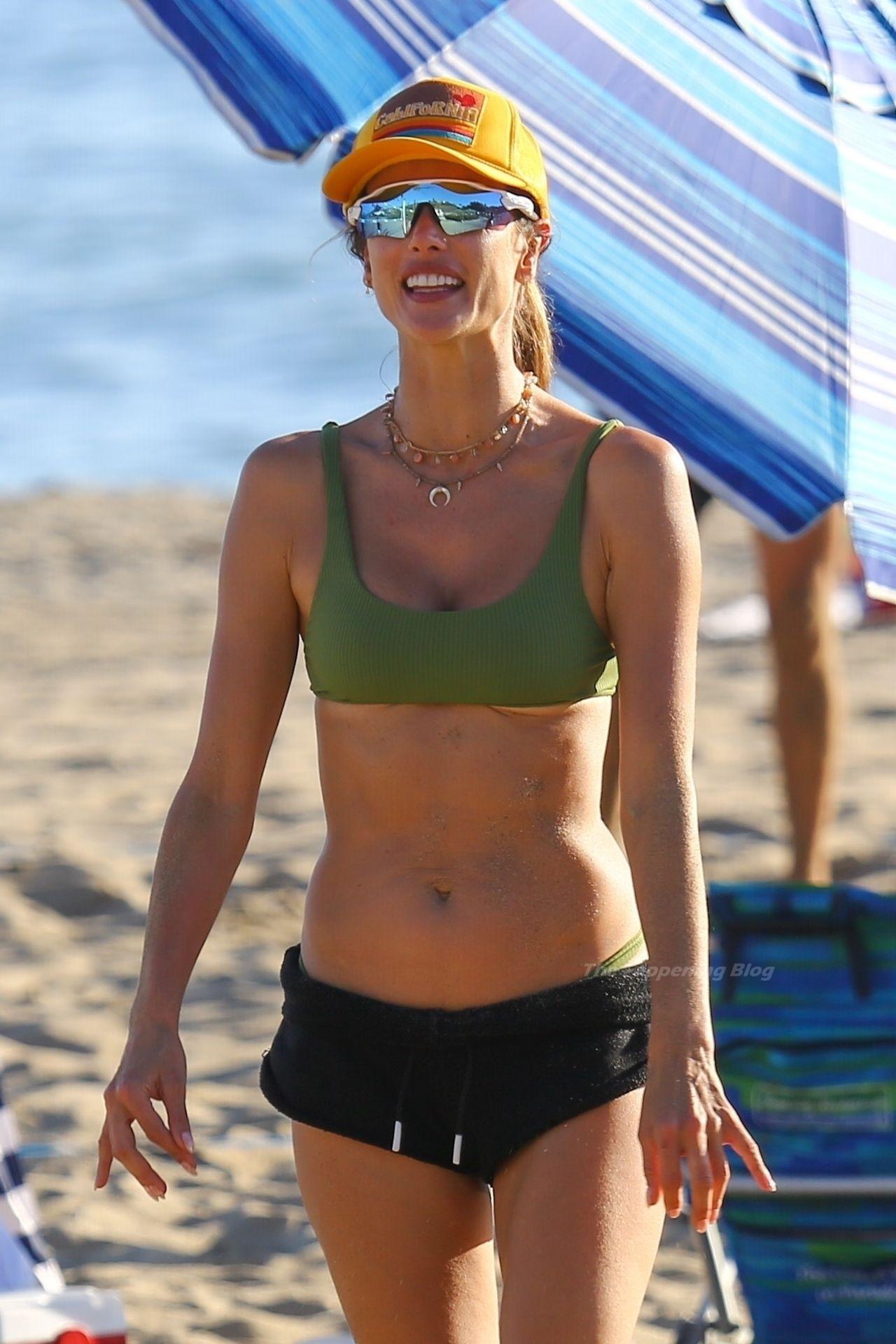 Alessandra Ambrosio Sexy on Beach 41