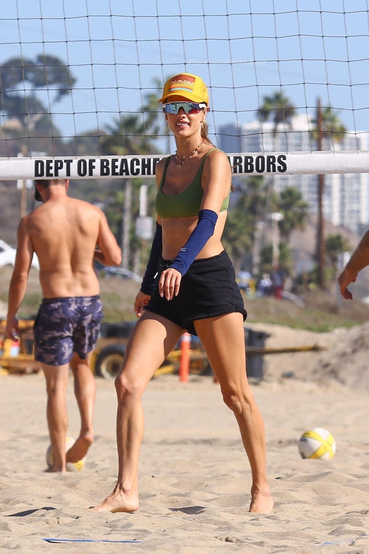 Alessandra Ambrosio Sexy on Beach 46