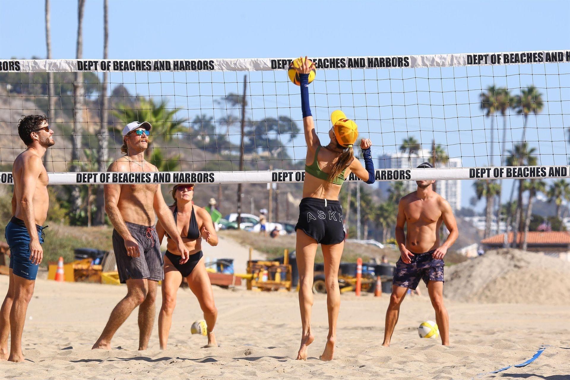 Alessandra Ambrosio Sexy on Beach 50