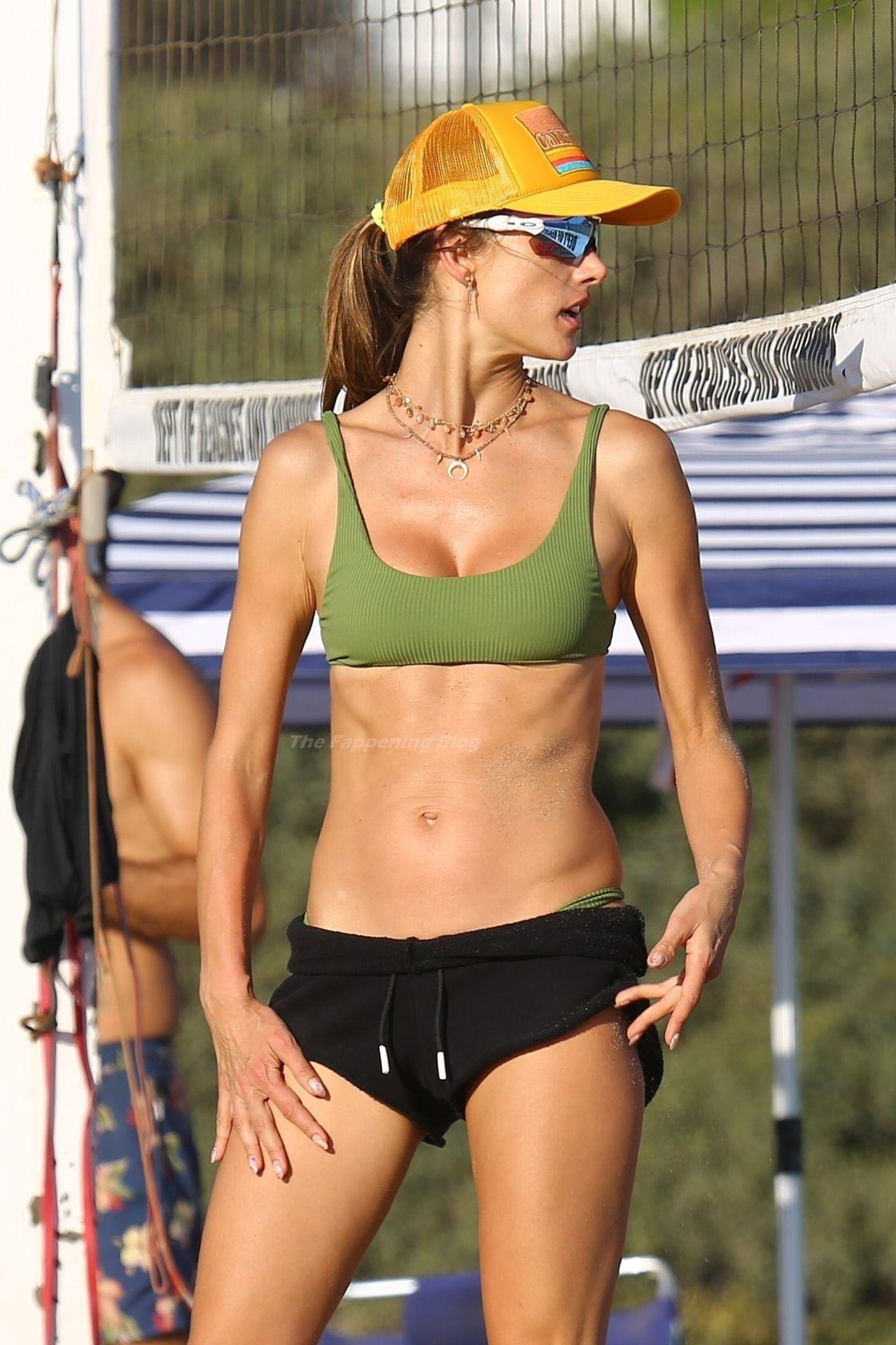 Alessandra Ambrosio Sexy on Beach 84