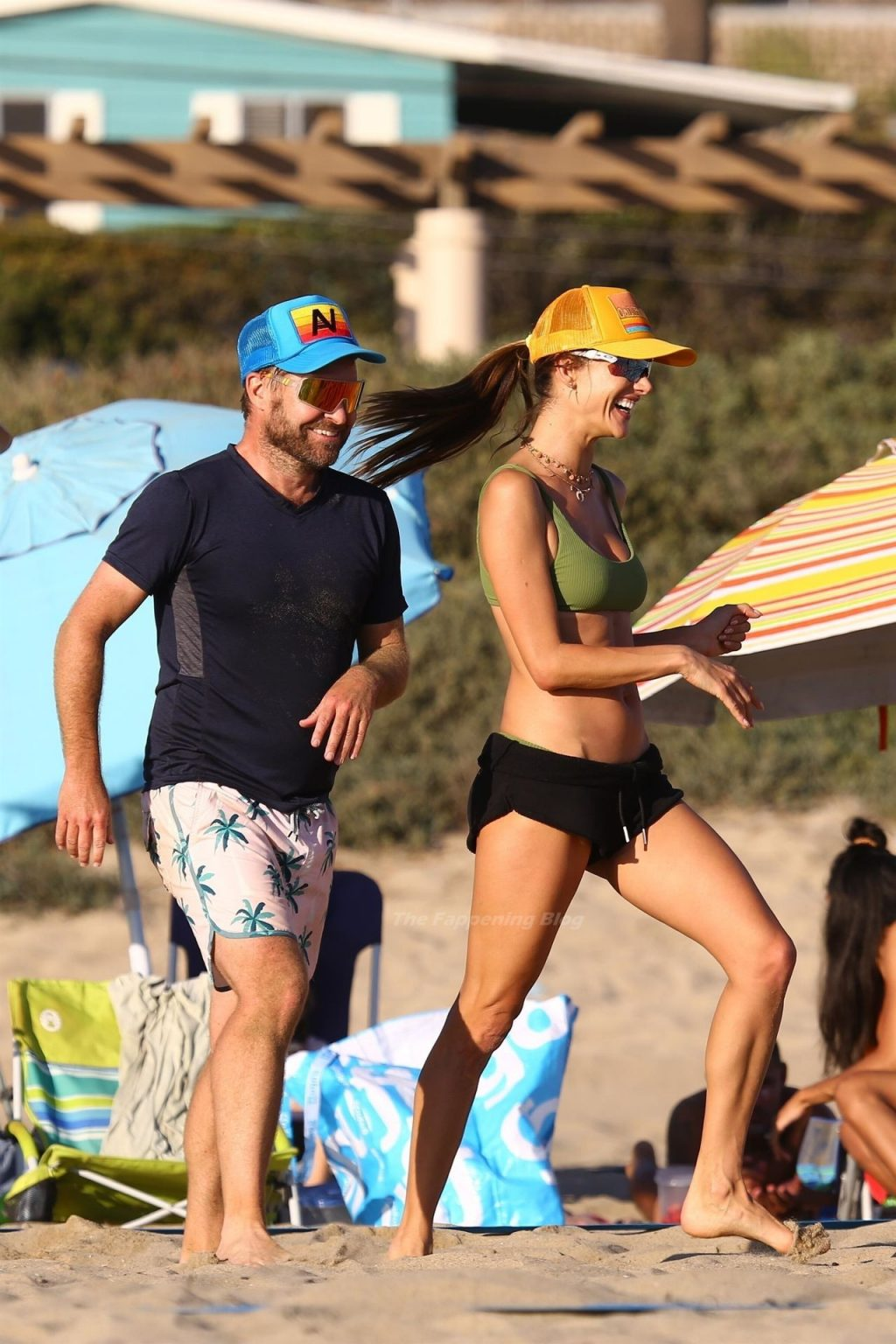 Alessandra Ambrosio Shows Her Sexy Figure on the Beach (122 New Photos)