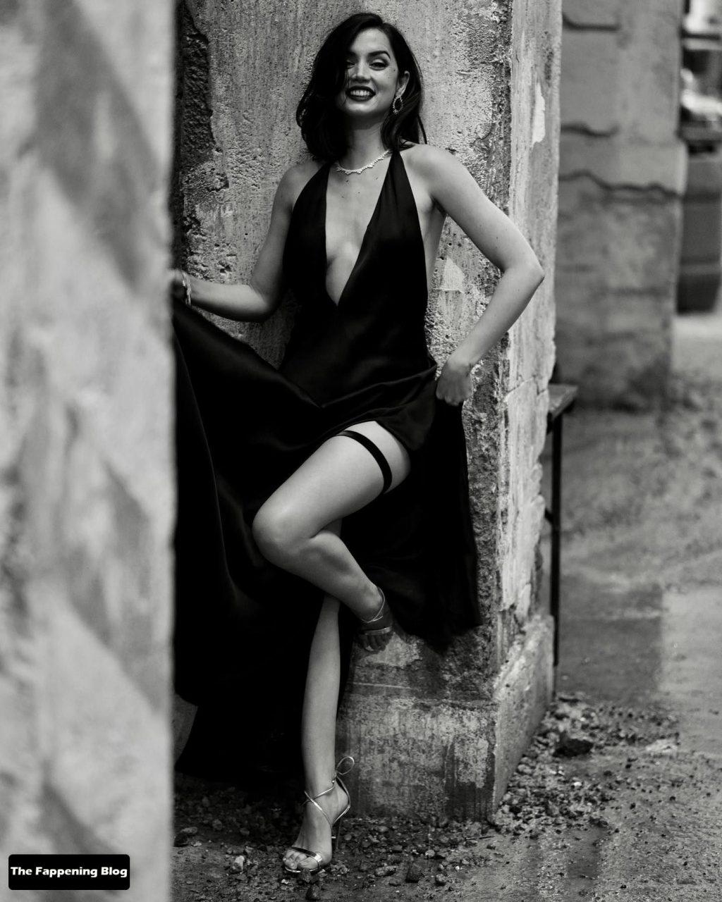 Ana de Armas Flaunts Her Sexy Legs (10 Photos)