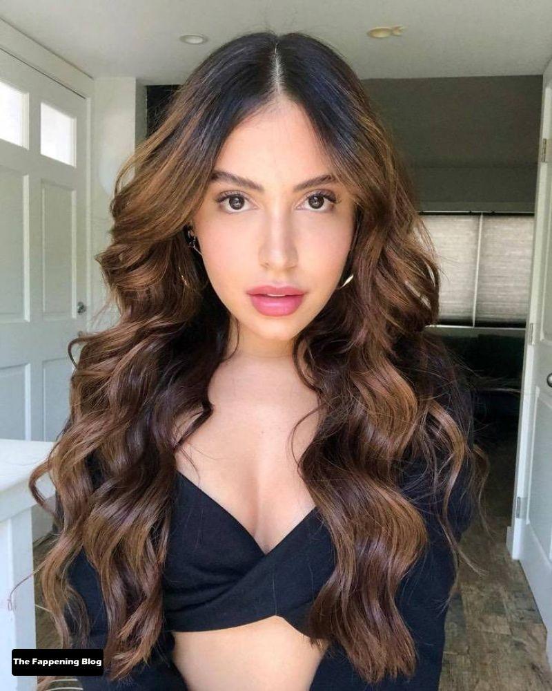 Cinthya Carmona Sexy (21 New Photos + Video)