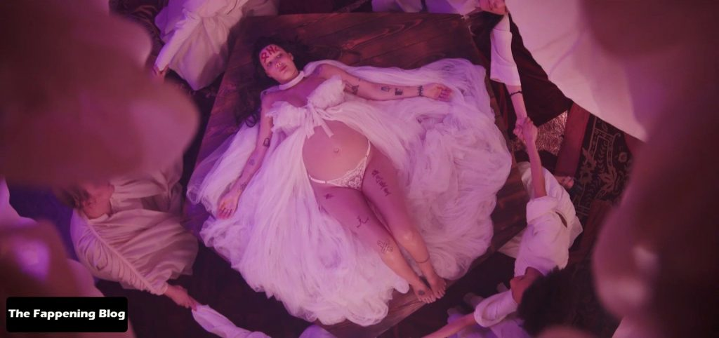 Halsey Nude – If I Can't Have Love, I Want Power (38 Pics + Video)