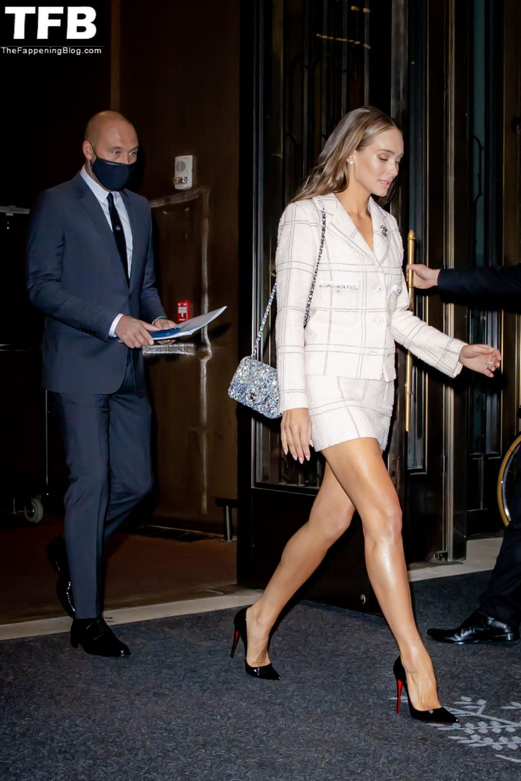 Hannah Jeter Shows Off Her Enviable Legs in a Chanel Ensemble (8 Photos)