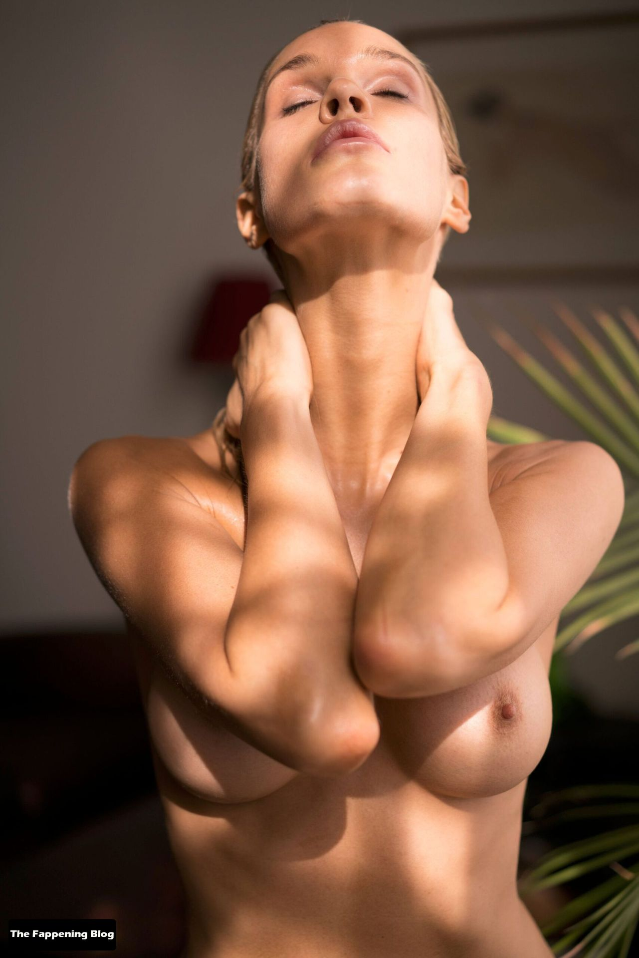 Joy Corrigan Nude Tits 14