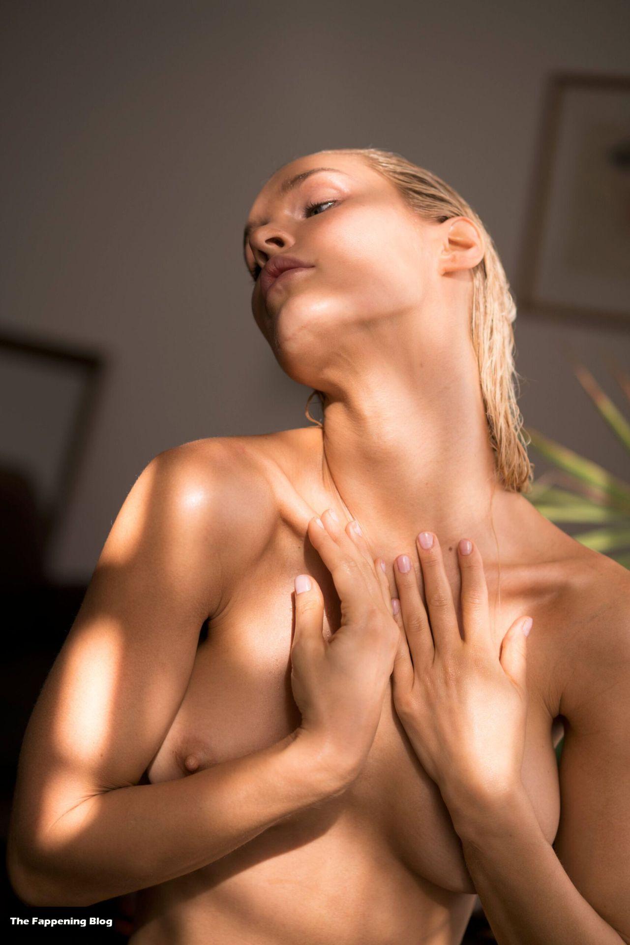 Joy Corrigan Nude Tits 8