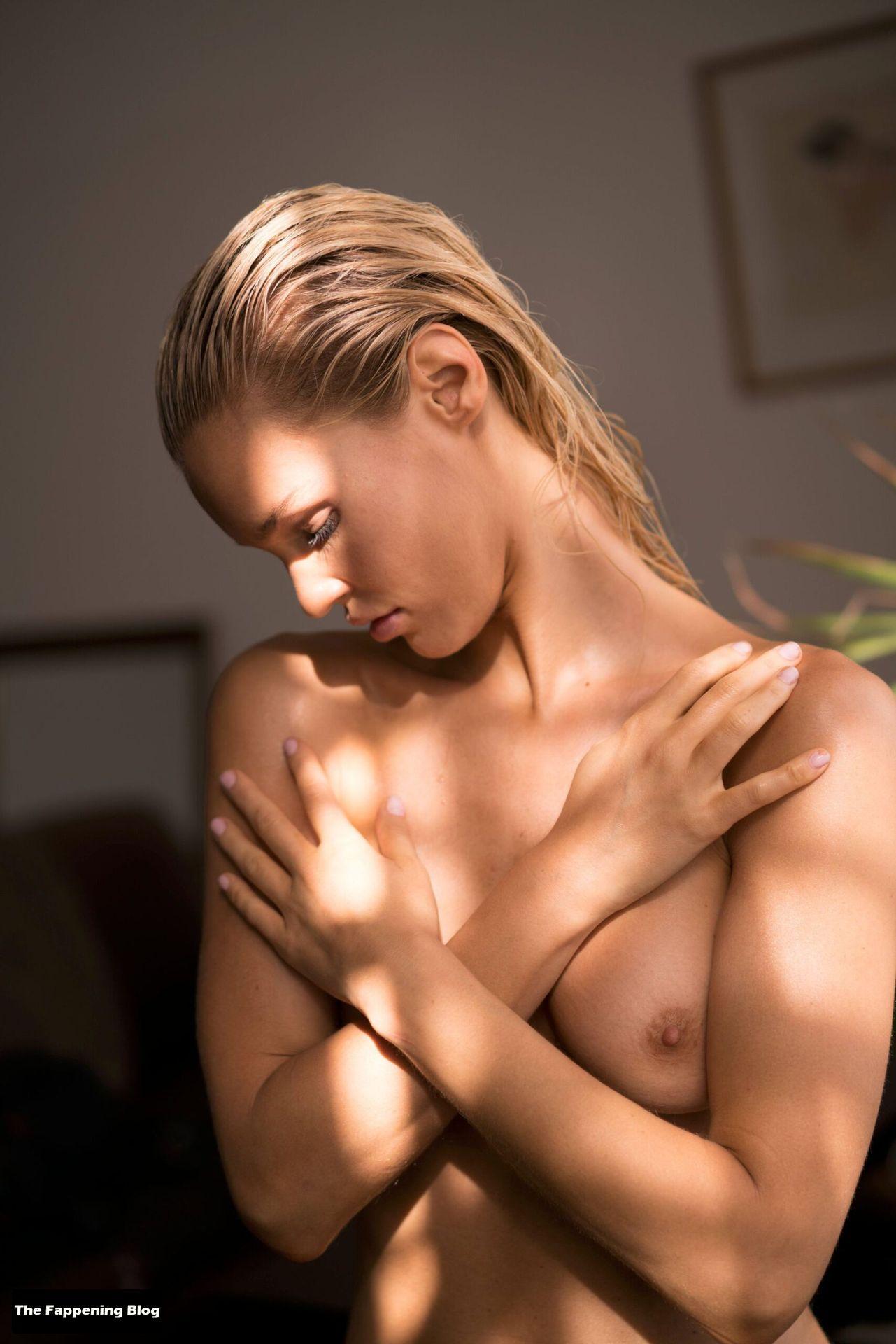 Joy Corrigan Nude Tits 4