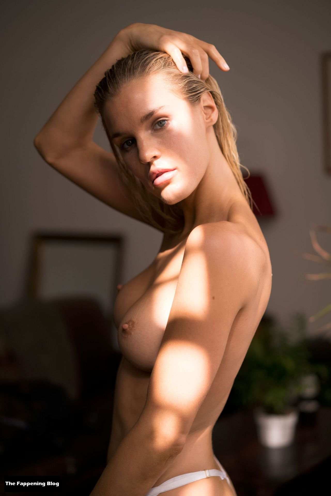 Joy Corrigan Nude Tits 25